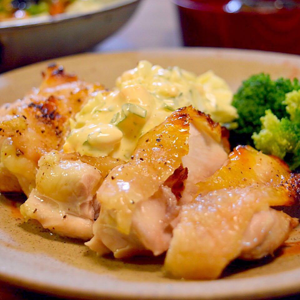 ไก่ย่างราดด้วยทาร์ทาร์ซอส (tartar sauce)